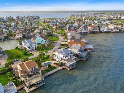 Tiki Island Single Family Home For Sale: 124 Quayside Drive
