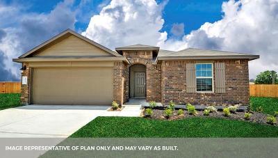 Baytown Single Family Home For Sale: 3907 Hybrid Court