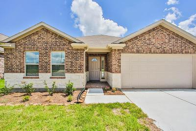 Tomball Single Family Home For Sale: 23026 Silver Linden
