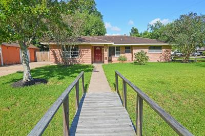 Pearland Single Family Home For Sale: 2409 Halbert Drive
