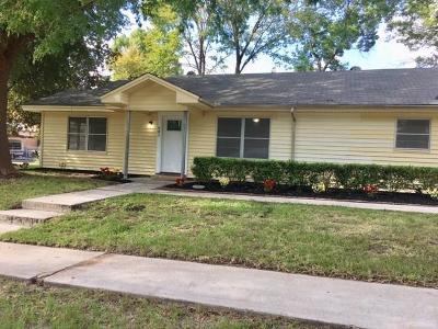 Single Family Home For Sale: 501 W Houston Street W