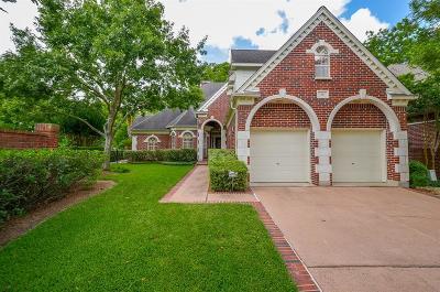 Sugar Land Single Family Home For Sale: 26 Ambleside Crescent Drive
