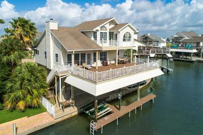 Tiki Island Single Family Home For Sale: 902 Short Reach Drive