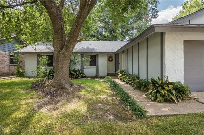 Friendswood Single Family Home For Sale: 16706 Hibiscus Lane