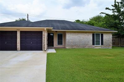 La Porte Single Family Home For Sale: 10115 Winding Trail Road