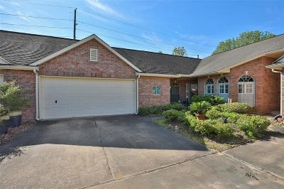 Pearland Condo/Townhouse For Sale: 819 Apple Blossom Drive