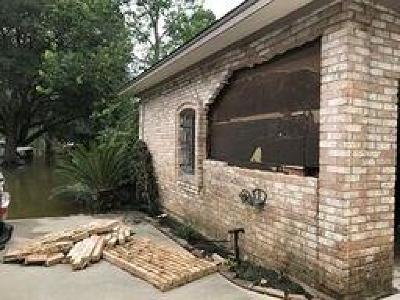Conroe TX Single Family Home For Sale: $110,000