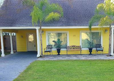 Clear Lake Shores Single Family Home For Sale: 310 Shore