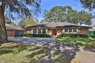 Houston Single Family Home For Sale: 5738 Willowbend Boulevard