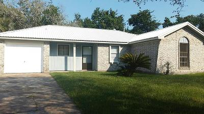 Baytown Single Family Home For Sale: 3200 New Meadow Drive