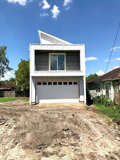 Single Family Home For Sale: 409 E 42 Street