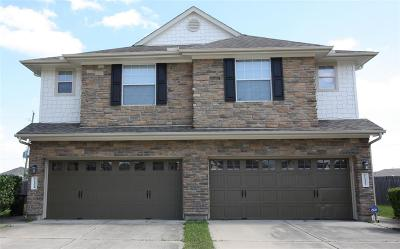 Houston Condo/Townhouse For Sale: 11522 Hackmatack Way