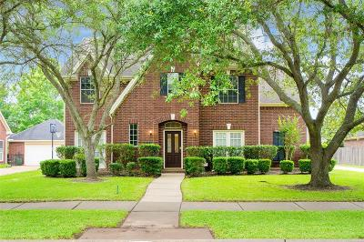 Sugar Land Single Family Home For Sale: 664 Clarenda Falls Drive