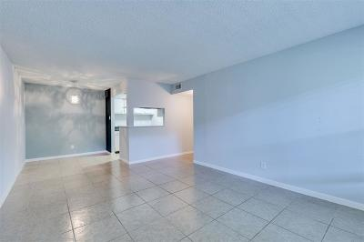 Seabrook Condo/Townhouse For Sale: 3535 Nasa Parkway #85