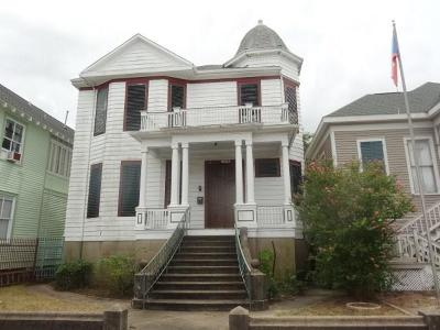 Galveston Single Family Home For Sale: 1905 Broadway Street
