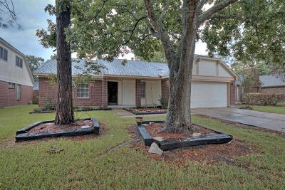 Friendswood Single Family Home For Sale: 15506 Richford Drive