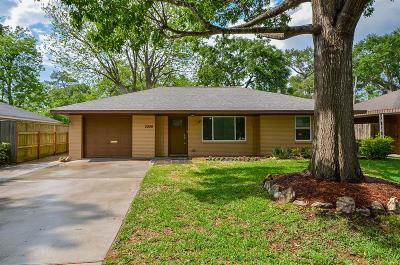 Houston Single Family Home For Sale: 2206 Wakefield Drive