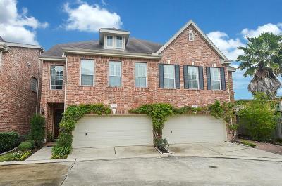 Houston Condo/Townhouse For Sale: 7608 Shady Villa Garden