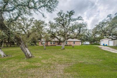 Van Vleck Single Family Home For Sale: 112 Sandy Creek Drive