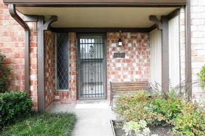 Stafford Condo/Townhouse For Sale: 11620 S S Kirkwood Road