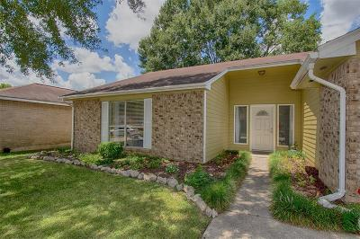 Friendswood Single Family Home For Sale: 2418 Tall Ships Drive