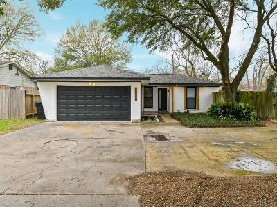 Oak Forest Single Family Home For Sale: 4015 Antoine Drive