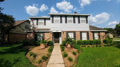 Sugar Land Single Family Home For Sale: 1802 Cedarwood Court