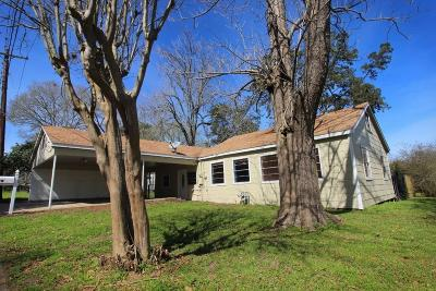 Austin County Single Family Home For Sale: 112 E Chatham Street