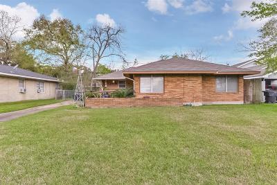 Houston Single Family Home For Sale: 5719 Winding Creek Way