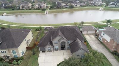Friendswood Single Family Home For Sale: 3338 Queensburg Lane