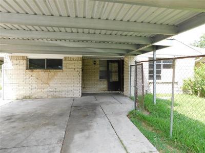 Houston TX Single Family Home For Sale: $65,000