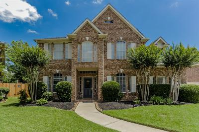Sugar Creek Single Family Home For Sale: 303 Lakeglen Court