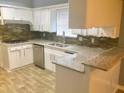 Missouri City Single Family Home Pending: 3222 La Costa Road