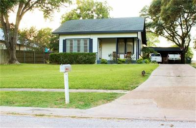 Hallettsville Single Family Home For Sale: 106 Kroschel Street