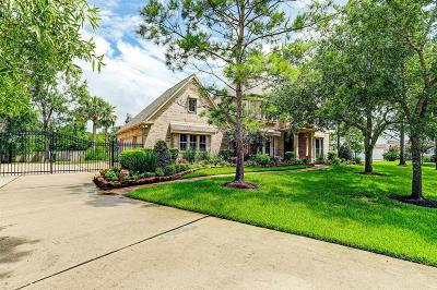 Friendswood Single Family Home For Sale: 609 Tall Timbers Lane
