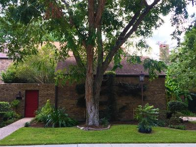 Bellaire Condo/Townhouse For Sale: 7 Town Oaks Place