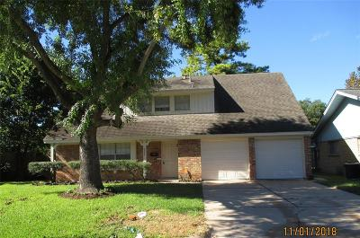 Houston Single Family Home For Sale: 9706 Crestdale Circle