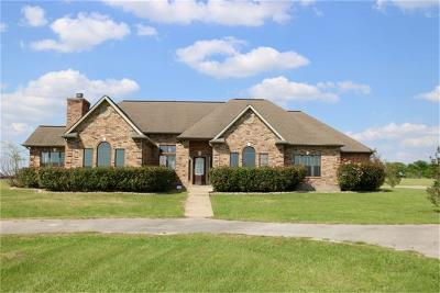 Grimes County Single Family Home For Sale: 104 Dove Trl