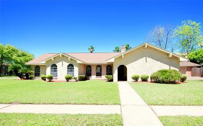 Pasadena Single Family Home For Sale: 3901 Chile Drive