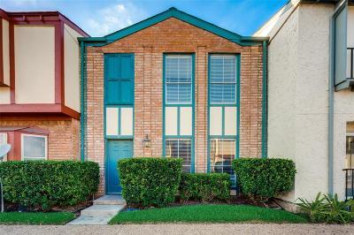 Houston Condo/Townhouse For Sale: 7700 Creekbend Drive #23