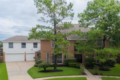 Single Family Home For Sale: 8027 High Knoll Lane