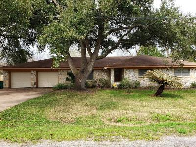 La Marque Single Family Home For Sale: 906 Cypress Street