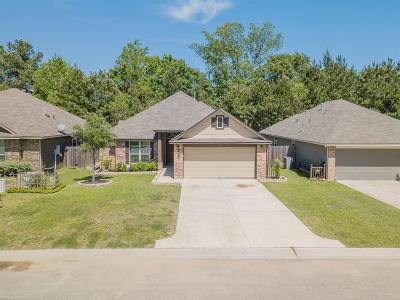 Willis Single Family Home For Sale: 5814 Olde Oaks Drive