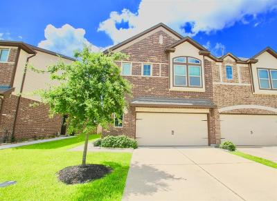 Rosenberg Condo/Townhouse For Sale: 1206 Willow Plains Lane