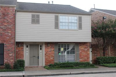 Houston Condo/Townhouse For Sale: 12664 Rip Van Winkle Drive #7