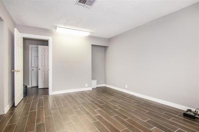 Pasadena Single Family Home For Sale: 2208 Strawberry Road