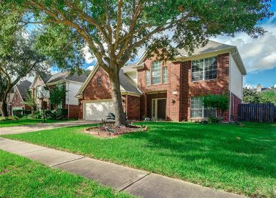 Sugar Land Single Family Home For Sale: 15718 Springfield Drive