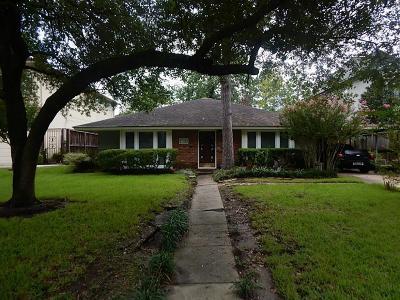 Bellaire Single Family Home For Sale: 4617 Cedar Oaks Lane