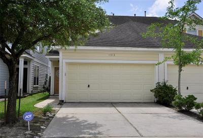 Houston Condo/Townhouse For Sale: 16543 Pentonshire Lane