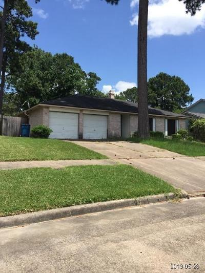Humble TX Single Family Home For Sale: $109,900